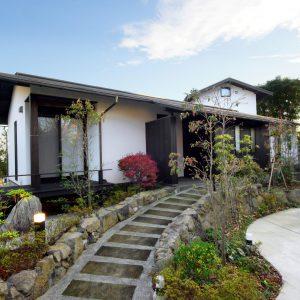 40) 安らぎの和装の家