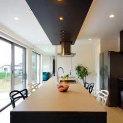 61)キッチンを暮らしの中心に